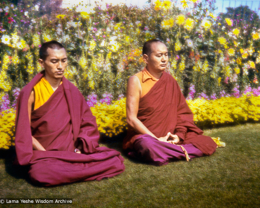 Lama Zopa Rinpoche and Lama Yeshe meditating, Delhi, 1975